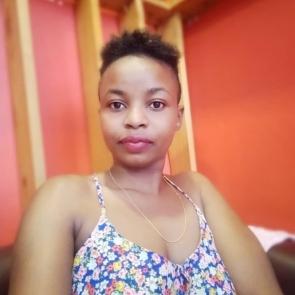 Lulu Nyenzi